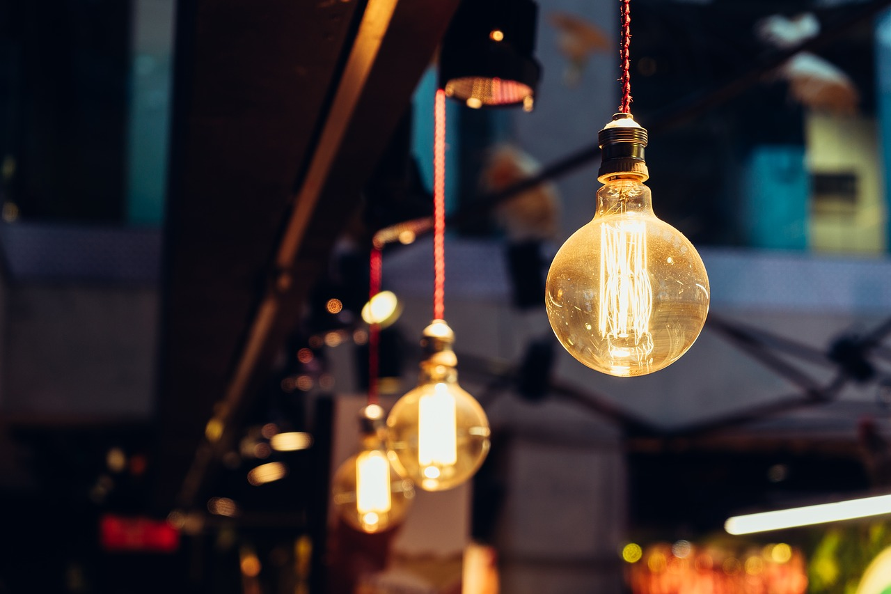 Utiliser une multitude d'ampoules pour un effet vintage