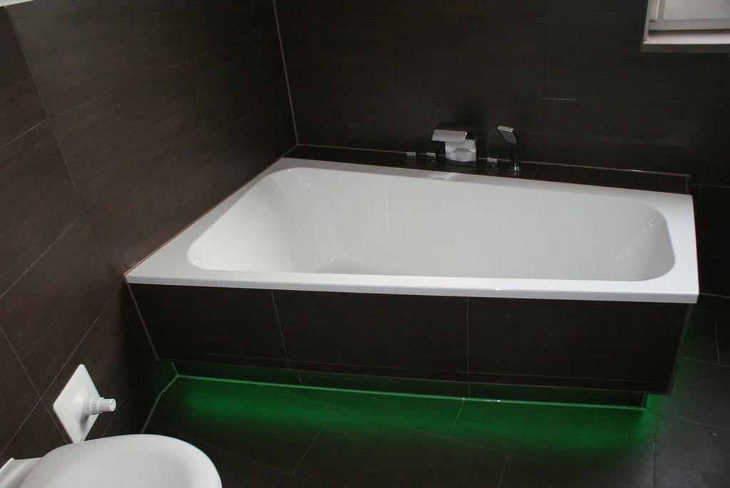 Faire appel à un créateur de salle de bains pour une déco tendance